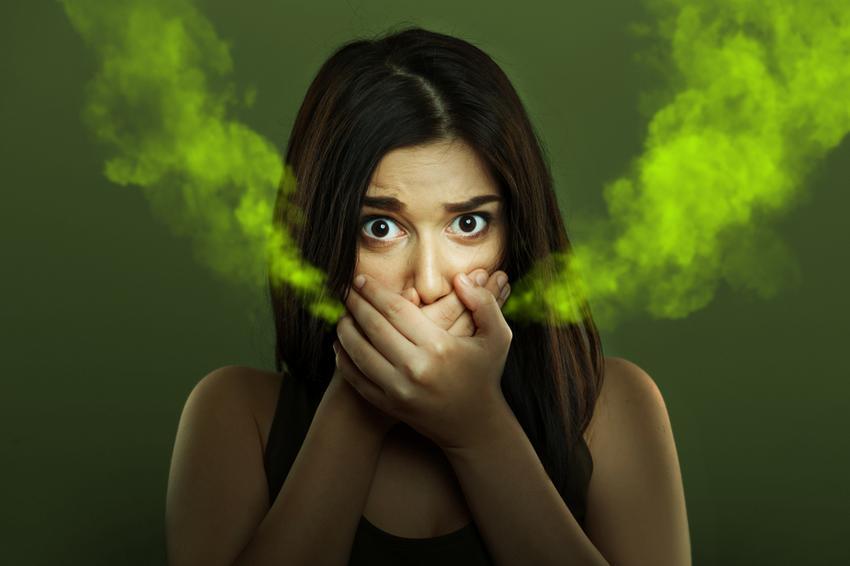 A szervbetegség miatt rossz lehelet - Gyulladás vagy kiesett tömés is okozhat rossz leheletet