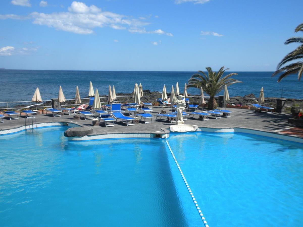 ARATHENA ROCKS HOTEL (Giardini Naxos, Olaszország) - Értékelések és Árösszehasonlítás - Tripadvisor