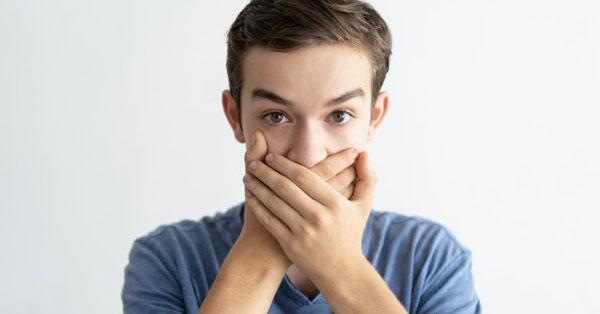 a rossz lehelet szagának okai