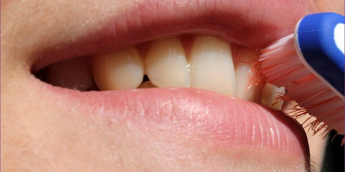 Súlyos betegség tünete lehet a rossz lehelet - Ha a rossz lehelet acetonnal